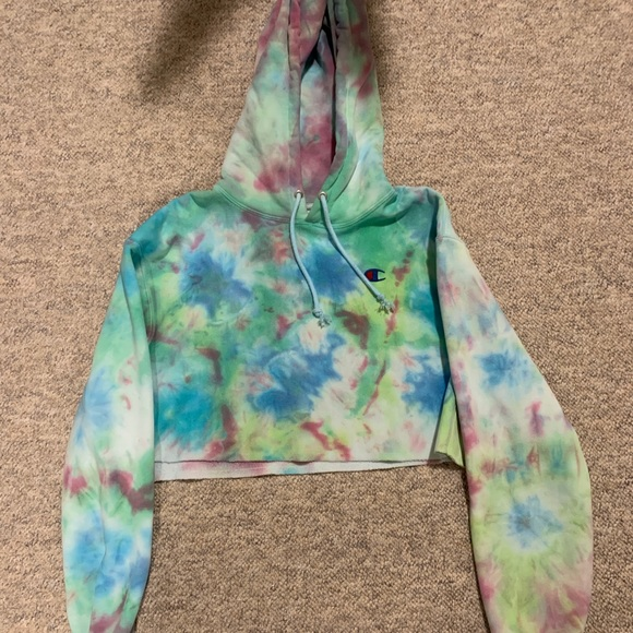 Champion Cropped Tye-Dyed Hoodie
